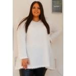 Бяла пухкава плетена туника
