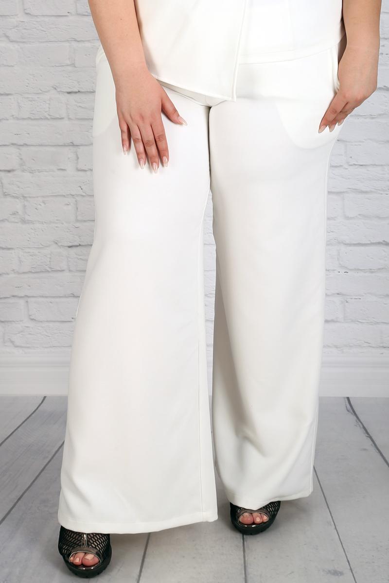 ee554ed0d08 Бял летен панталон тип