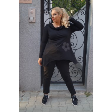 Черна туника с качулка и апликация | SIRENA plus модерна макси мода