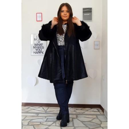 Стилно, елегантно вълнено палто с кожени маншети