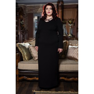 Права рокля от пунта с акцент в черно